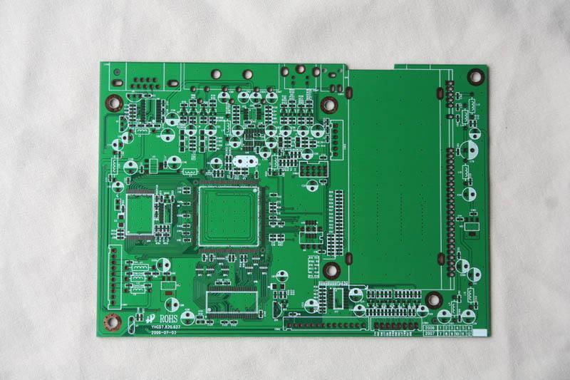 PCB工艺中底片变形问题的解决方案