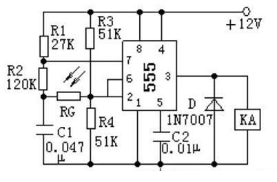 一款即使光照消失,KA 仍保持吸合狀態的不需要調試就可正常工作光電控制電路圖