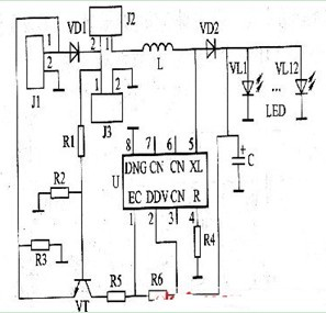 一款既可直接产生低压直流电也可转换成220 伏交流电的太阳能照明灯电路图